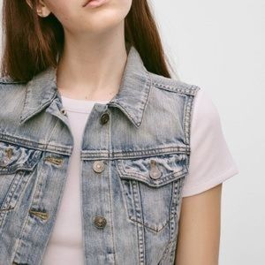 Aritzia Talula Atami distressed denim vest XXS
